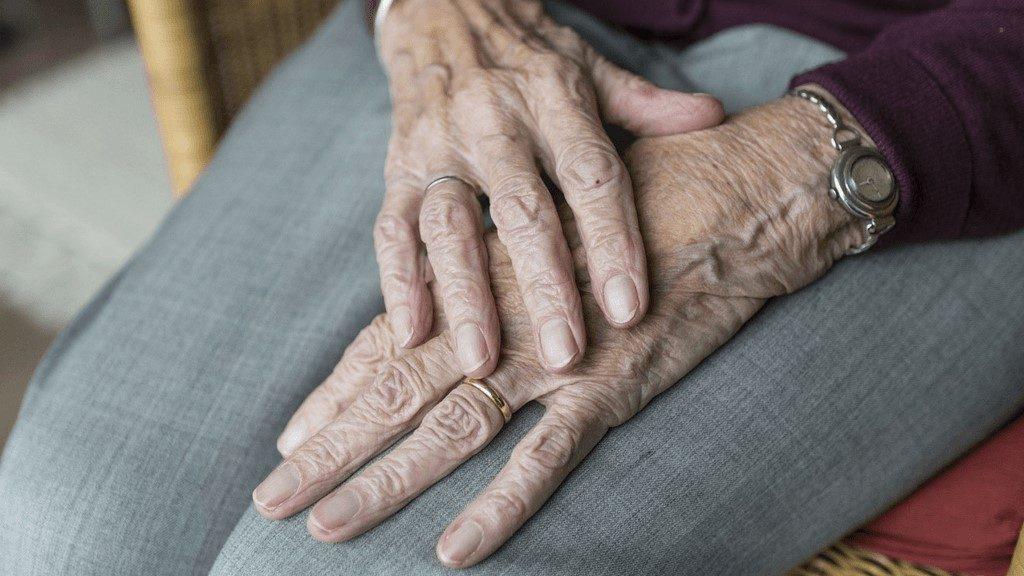 old hand arthritis